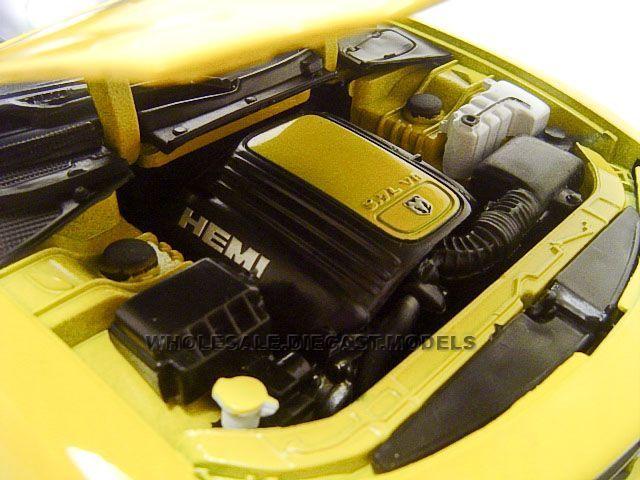 2006 Dodge Charger Daytona R T Yellow 1 18 Diecast Model